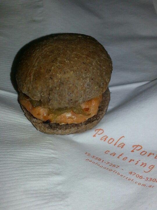 Mini burger de salmon con hinojos glaseados