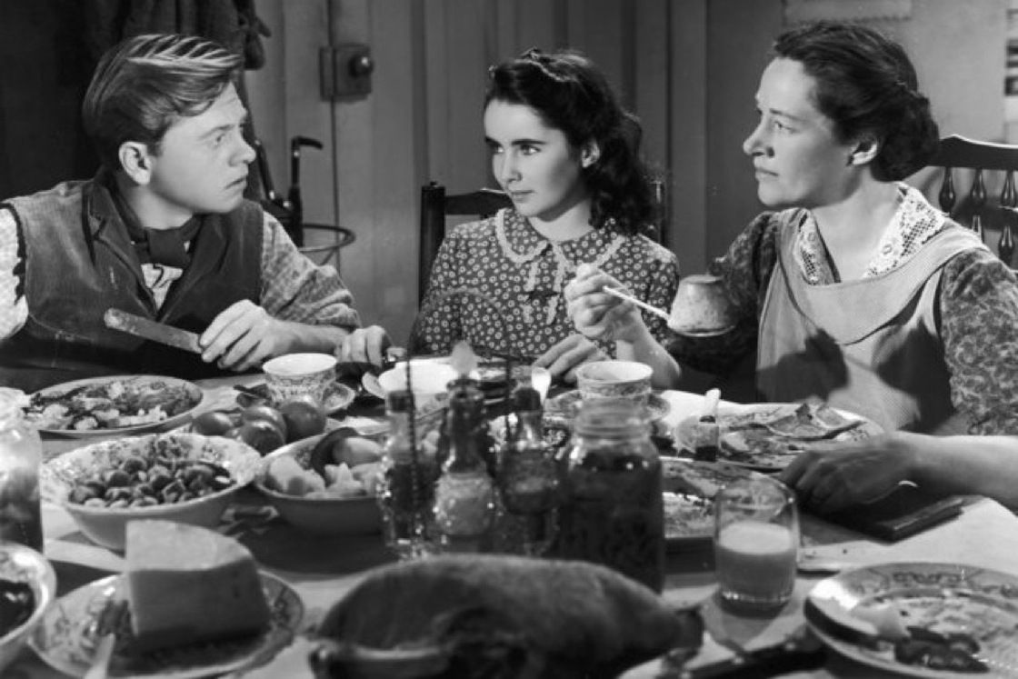 #Taylor skyrocketed to fame at the age of 12 when she starred in the 1944 film National Velvet.   #Life and #Art at #Table - #icon #actress #movie #film