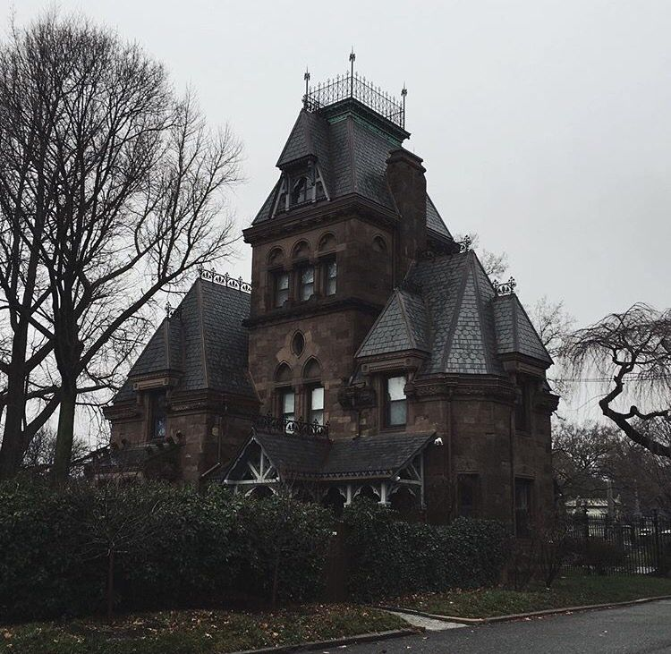 Lovely Gothic Victorian With Widows Walk