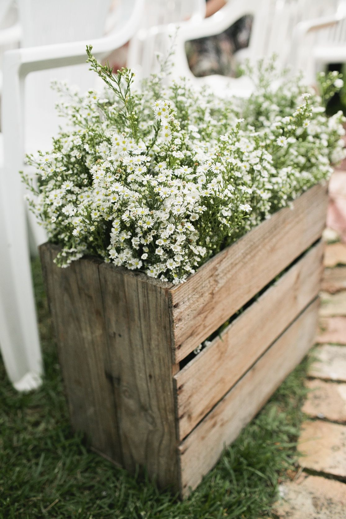 Est Flowers Rustic Garden Theme Wedding Easter Daisies