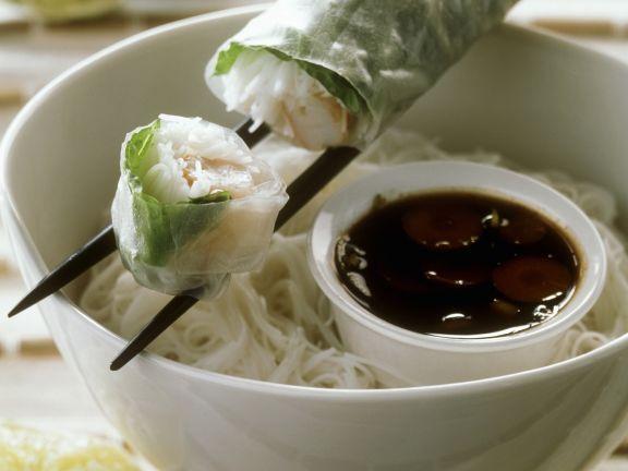 Vietnamesische Glücksrolle ist ein Rezept mit frischen Zutaten aus der Kategorie Garnelen. Probieren Sie dieses und weitere Rezepte von EAT SMARTER!