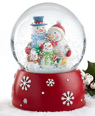 Holiday Lane Snow Globe, Snow Family