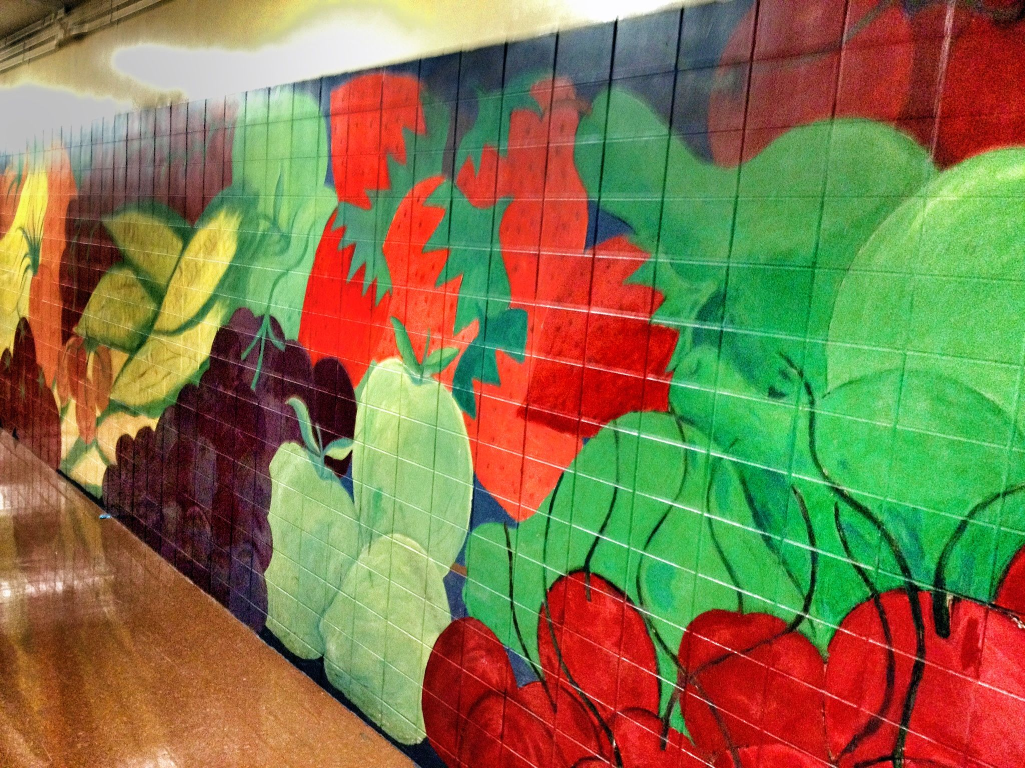 11.27.2012 I took a trip to PS 289, the school that shares our park. This awesome food mural lines the hallway leading to their lunchroom- I'd like to see something like this in our white-walled cafe. Color makes such a difference!