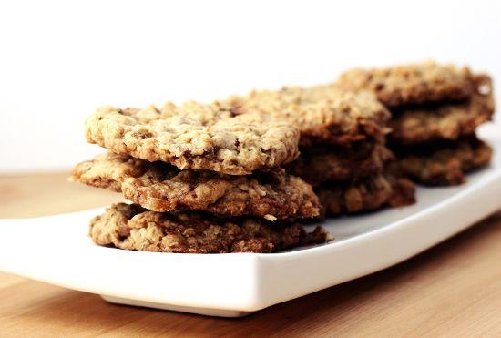 crispy chocolate toffee oatmeal cookies