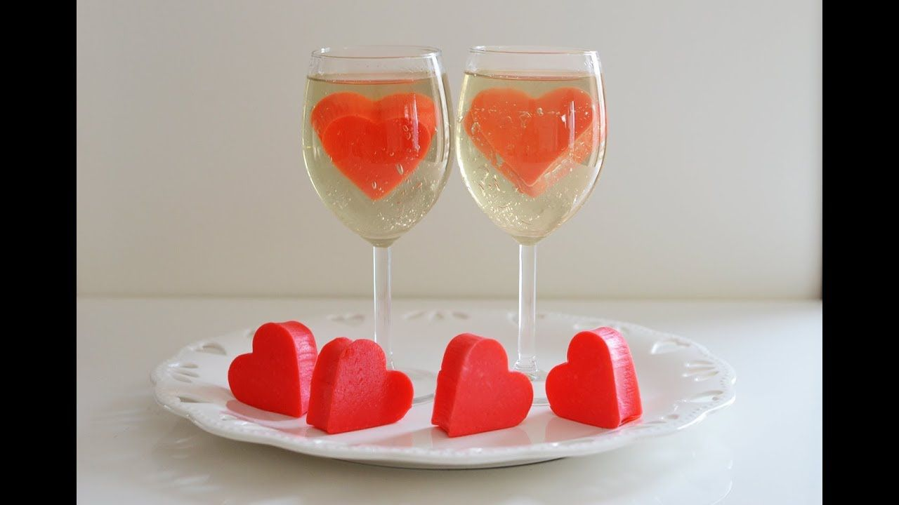 طرز تهیه دسر ژله قلب زیبا و آسان برای ولنتاین Youtube Alcoholic Drinks Champagne Flute Wine Glass