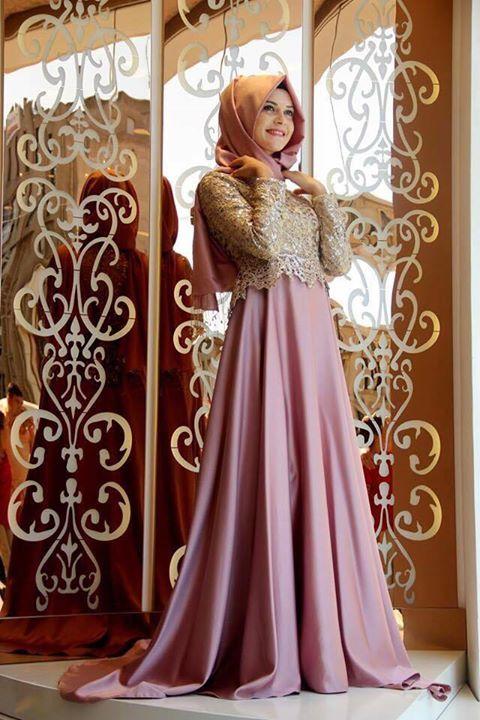 Sade Tesettur Nisan Elbiseleri Aksamustu Giysileri The Dress Basit Turban