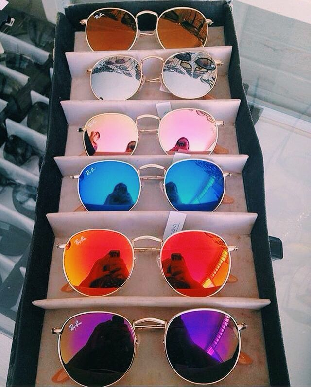 9ac272b99 Good Sunglasses on | Óculos, Uma mala e Óculos de sol