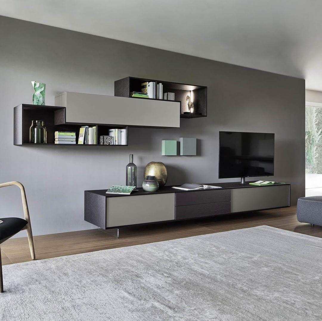 Die elegante Farbkombination und die offenen Elemente geben der ...
