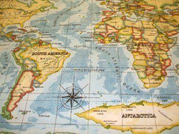 World Atlas Cotton Oilcloth Tablecloth 200 X 132cm Amazon Co Uk