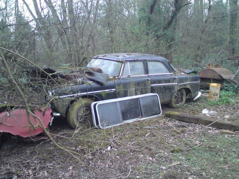 Classic cars rotting view topic 1965 mercedes benz 190 for Mercedes benz scrap yard