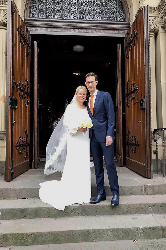 Angela Erwin Hochzeit Brautkleid Braut Langen Schleier