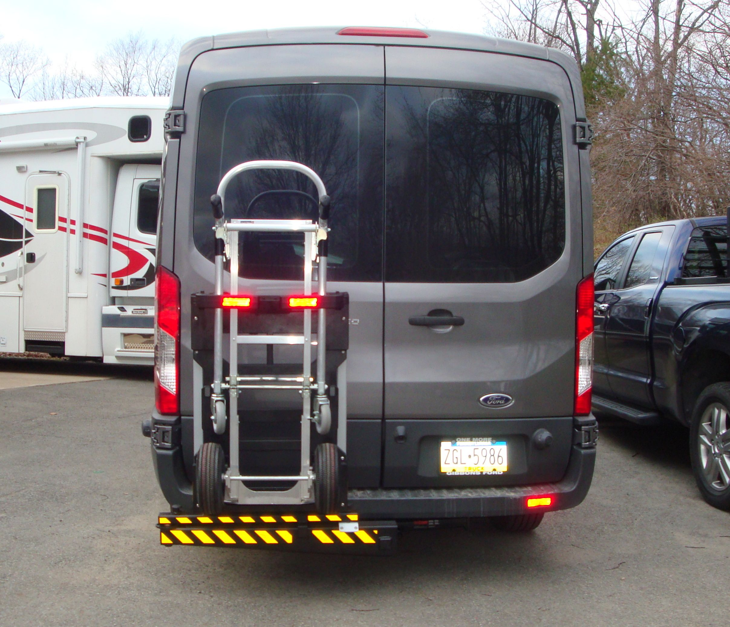 t gvwr varney inc transit rf sliding med dr in vehicle rh for van sale new ford vehicledetails me newport