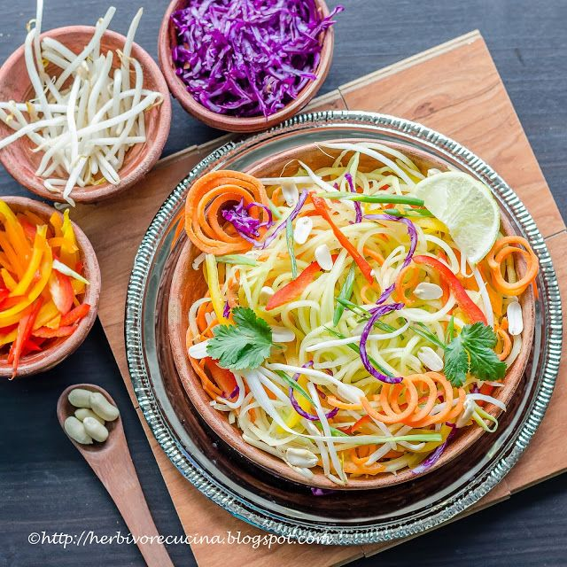 Herbivore Cucina: Fifteen minute recipe to make this amazingly healthy yet tasty Spiralized Papaya Salad. This Som Tam is full of Thai flavors and colors.