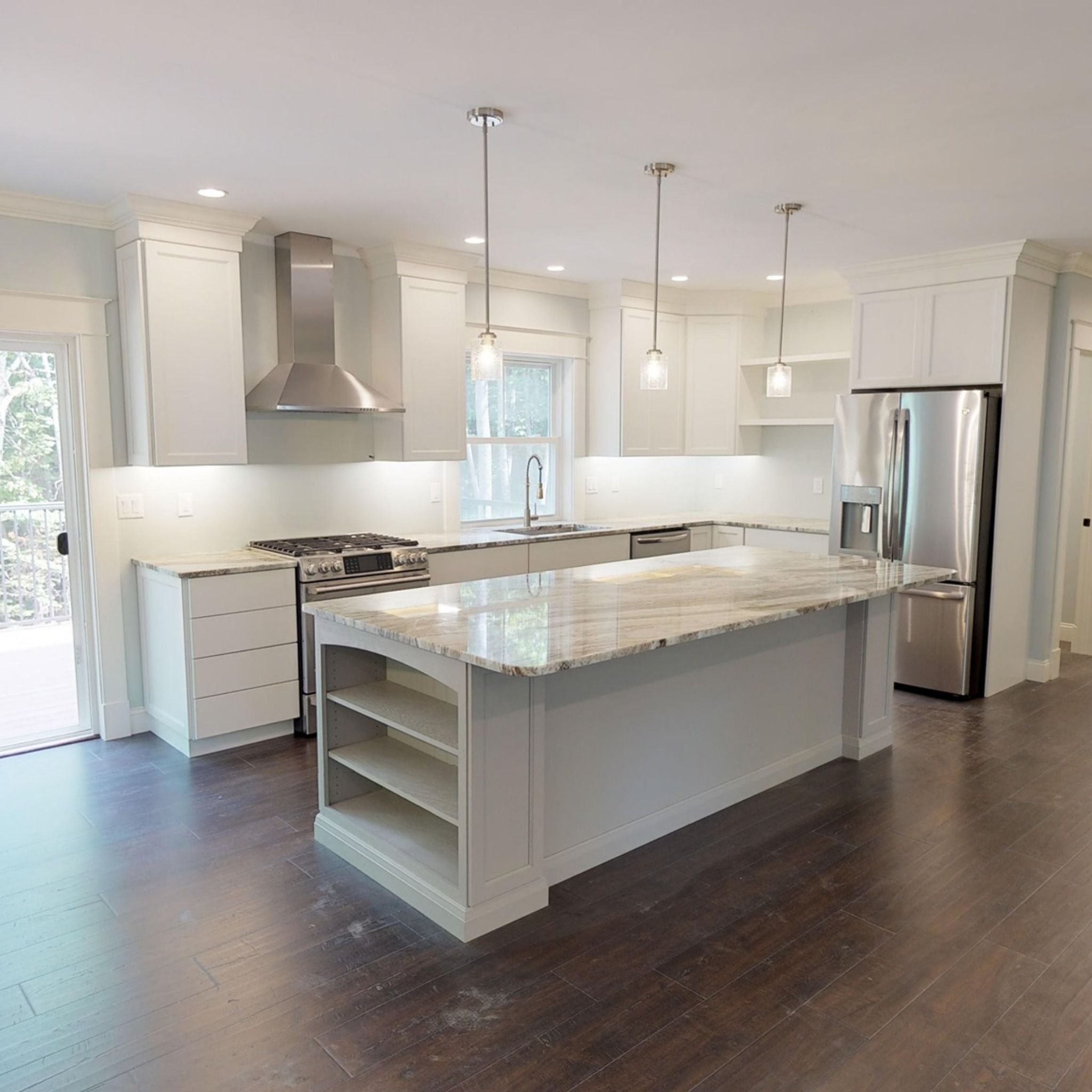 Dove White Kitchen With Portabella Island Kitchen Beautiful Kitchens Fantasy Brown