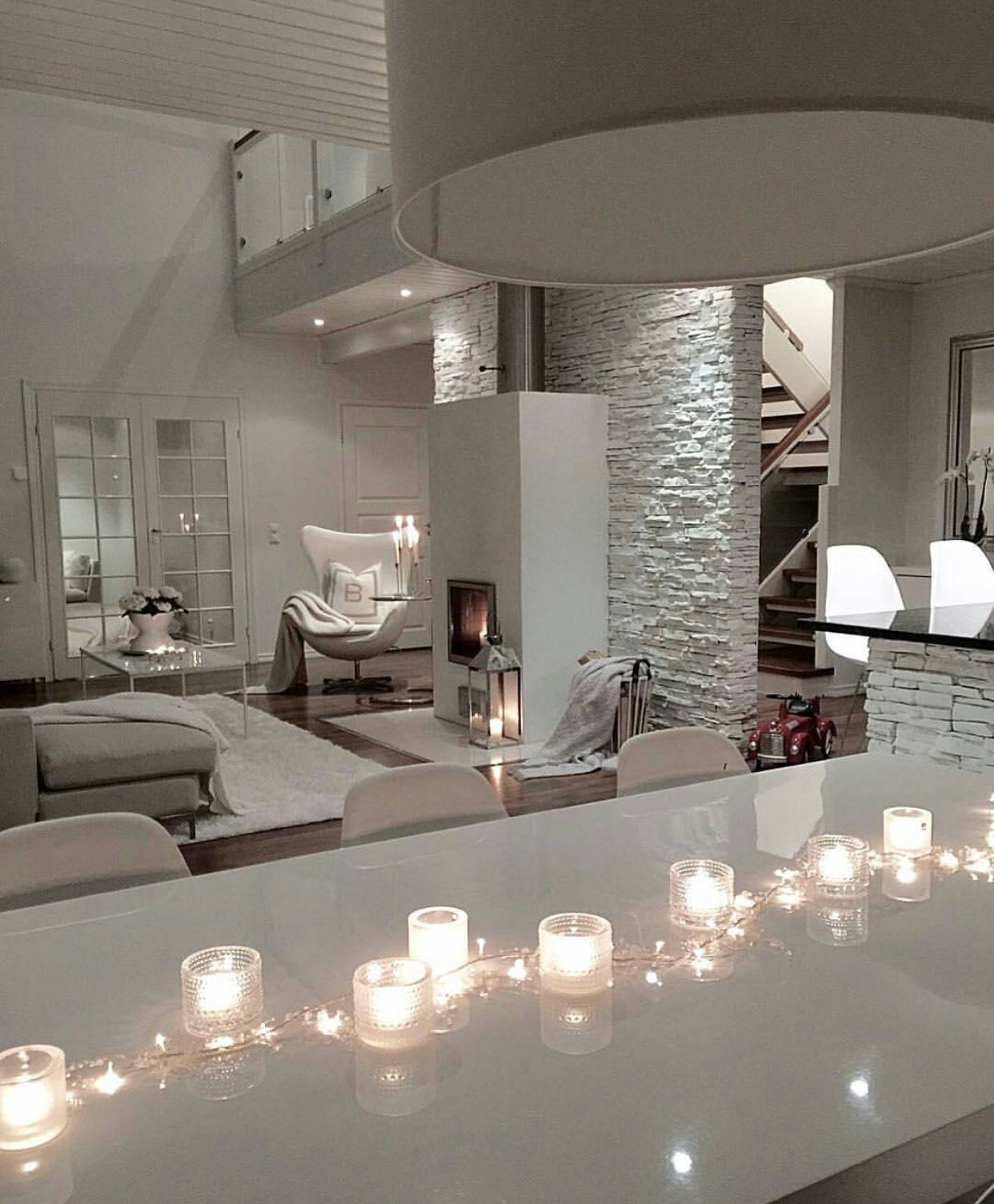 All white interior | Modern Home!! | Pinterest | Wohnzimmer, Moderne ...