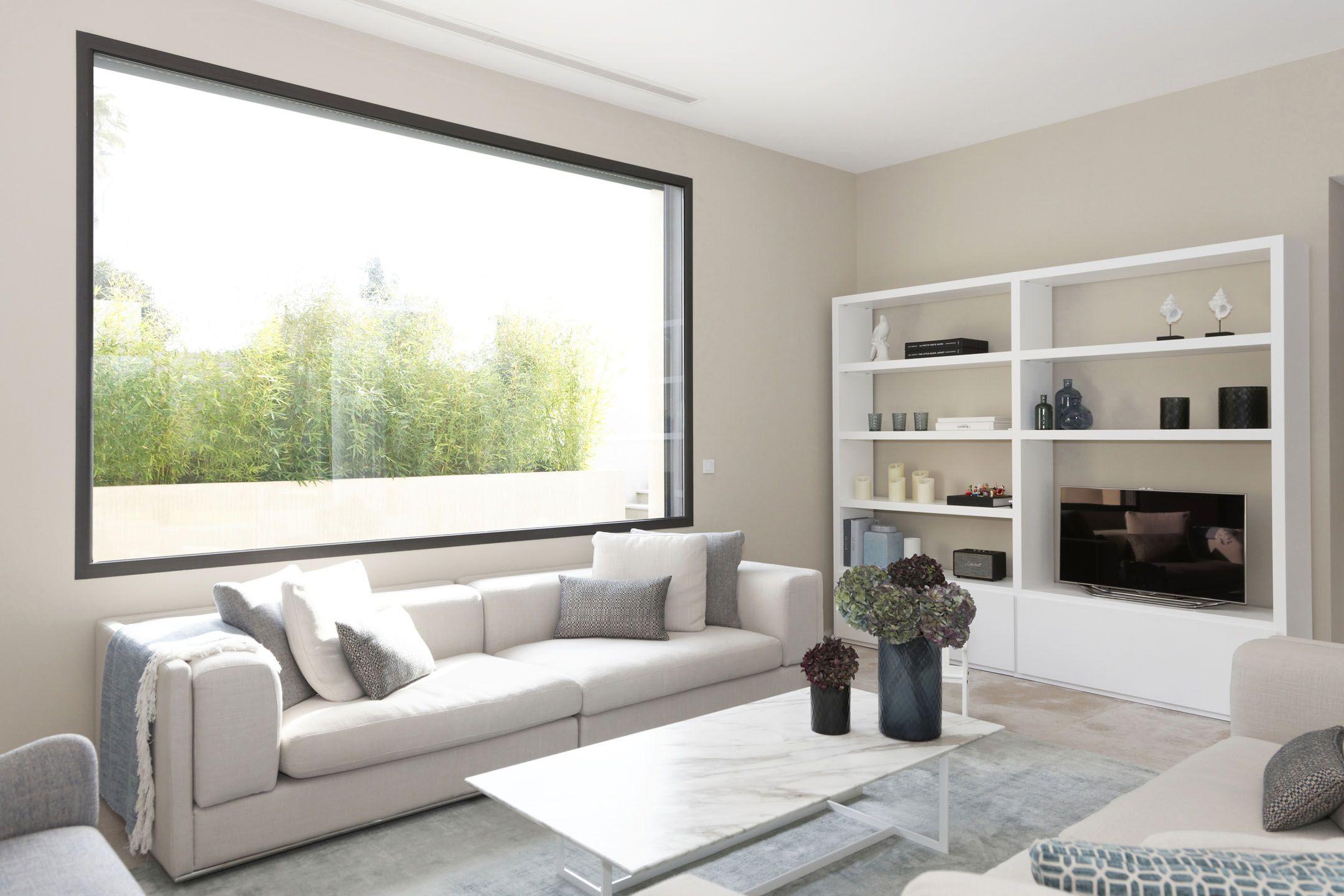 fenêtres et baies vitrées sur mesure pour une maison d'architecture moderne à Grimaud.   Maison ...