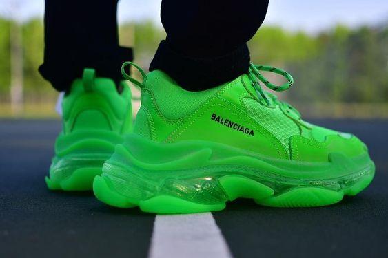 Baskets de luxe Balenciaga Triple S vertes fluo