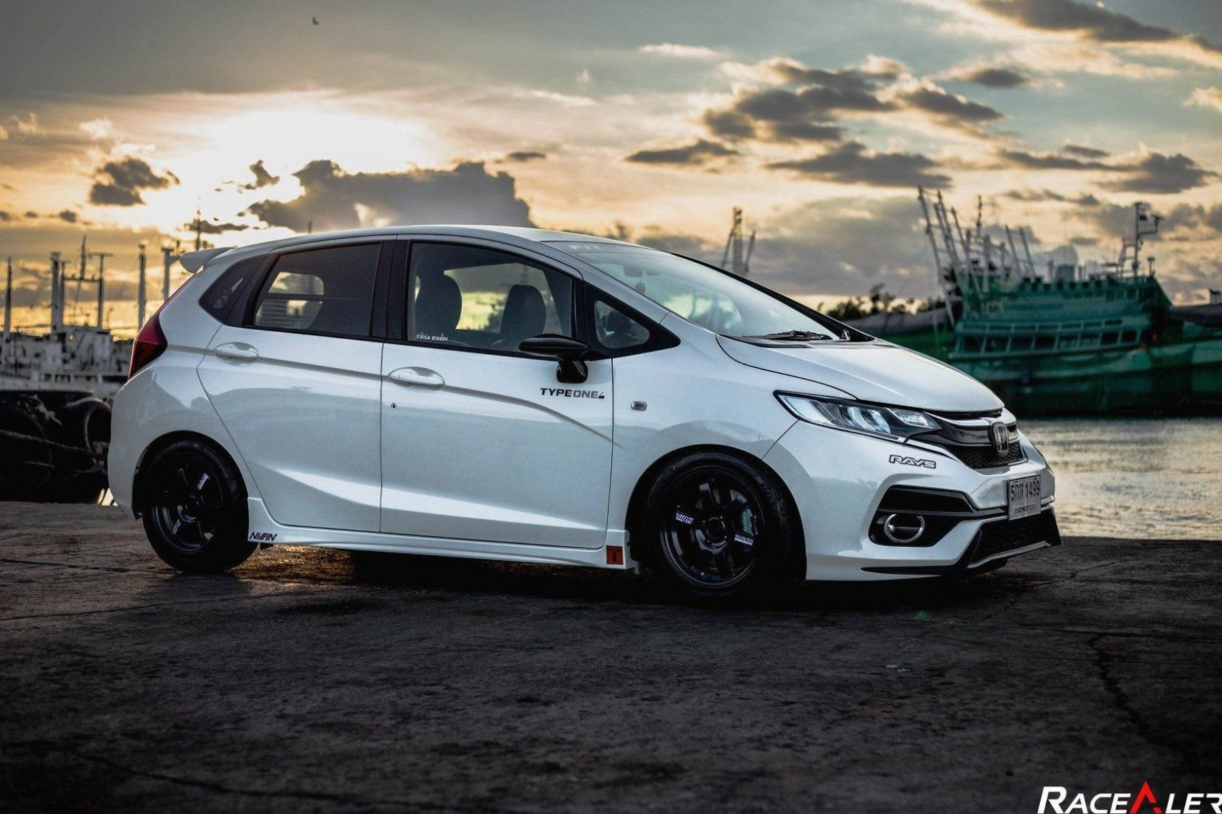 3rd Gen Honda Fit Support The Page By Picking Up Some Gear At Workout Fitness Bodytransformation In 2020 Honda Fit Honda Fit Jazz Honda