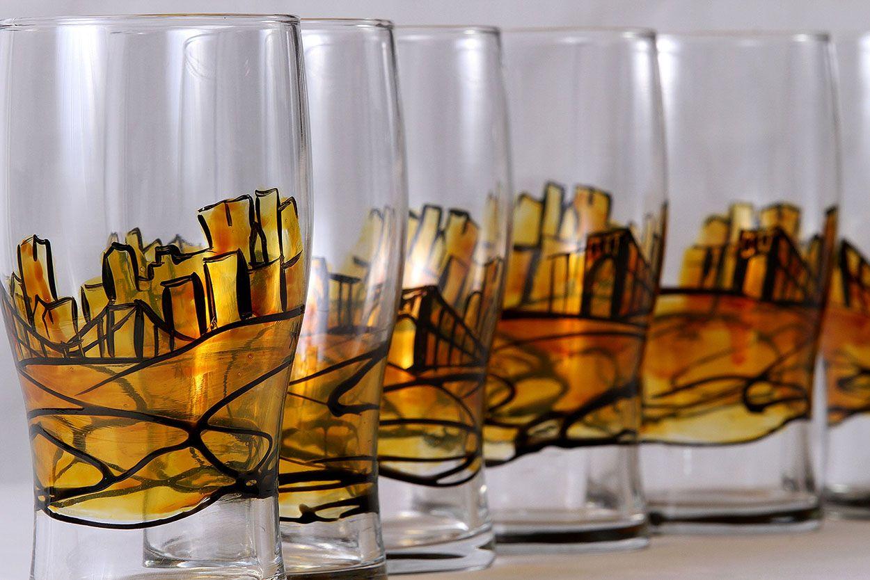Steel City Pub Glasses Set Of 4 From Amanda Lee Glassware For 70 On Etsy Glass Set Pittsburgh Skyline Steel City