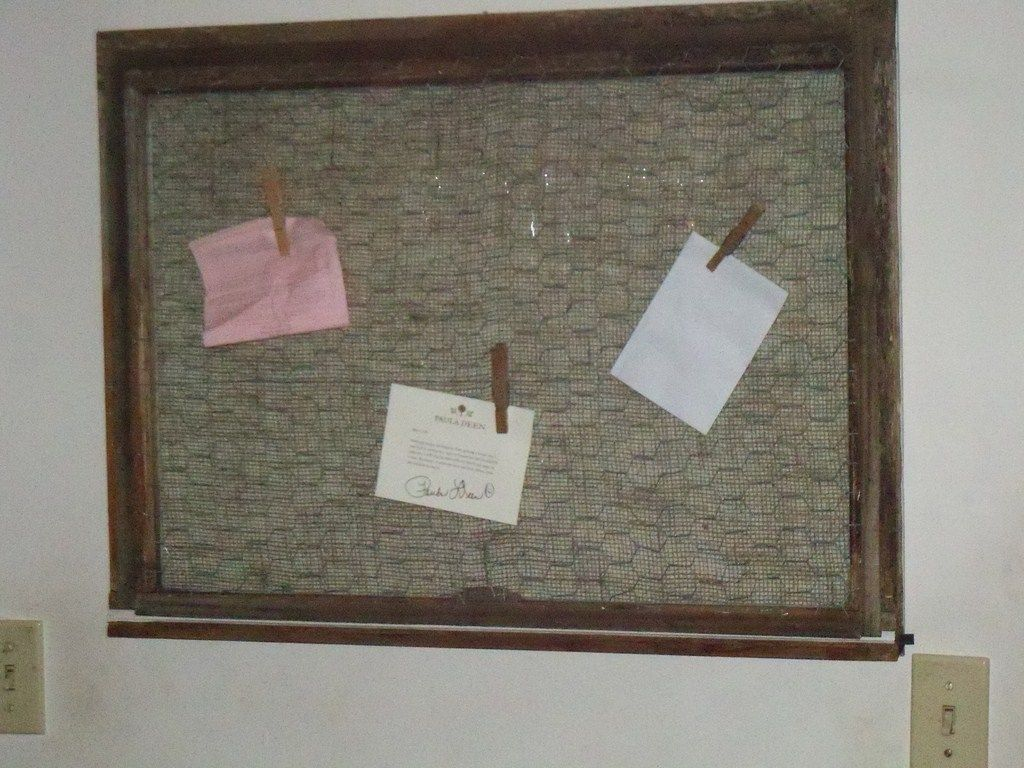 Old windo bulletin board darol made for ourr daughter. Has burlap on ...