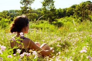 ALLERGIES Si vous souffrez d'allergies saisonnières ou annuelles, l'acupuncture peut être la solution qui vous permet de respirer à l'aise et profiter du plein air.  Les démangeaisons aux yeux, au nez, et àla gorge, la congestion nasale, les éternuements, et les problèmes respiratoires sont les symptômes d'allergies.  Les réactions allergiques se produisent lorsque le système immunitaire lance une attaque contre les substances autrement inoffensives, comme les pollens, l'herbe à poux, la…