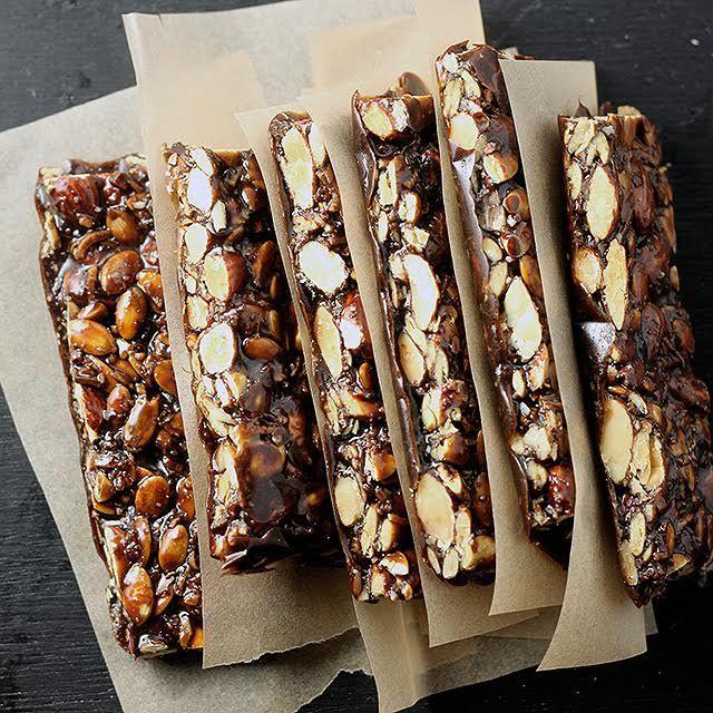 PRIMAL KITCHEN™ Dark Chocolate Almond Bars Have Landed