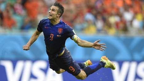 Fantastische goal met snoekduik van Robin van Persie tegen Spanje WK2014