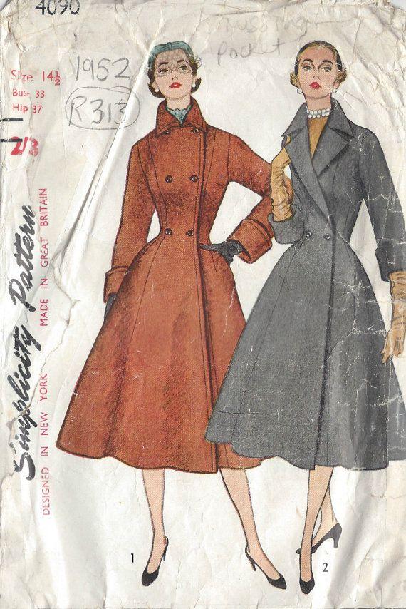 1952 Vintage Sewing Pattern COAT B33\