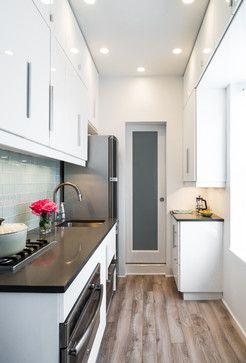 Cocina - Pasillo con puerta al fondo. | Muebles | Cocina alargada ...