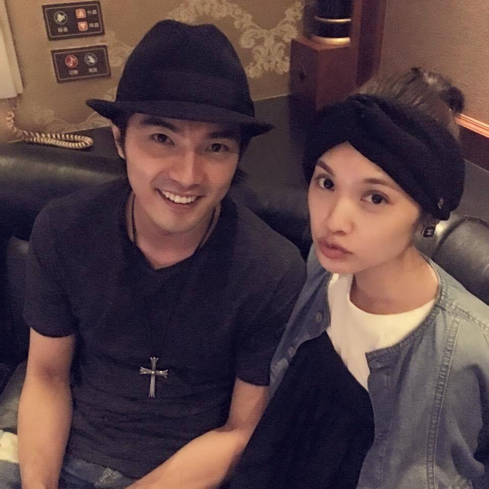 Mike He And Rainie Yang