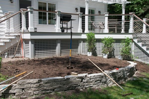 The Patient Gardner - instruction on how to build this type of retaining wall