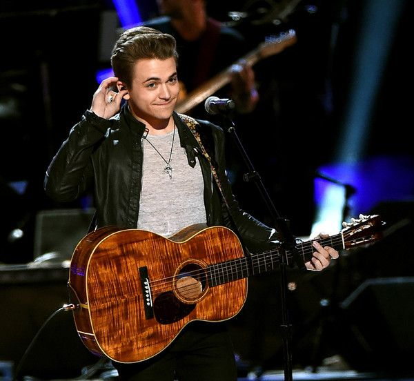 Hunter Hayes to Release Digital-Only Singles instead of CDs