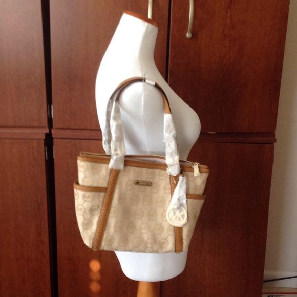 Michael kors medium top zip tote bag Michael kors whipped monograms medium top zip tote Michael Kors Bags Totes