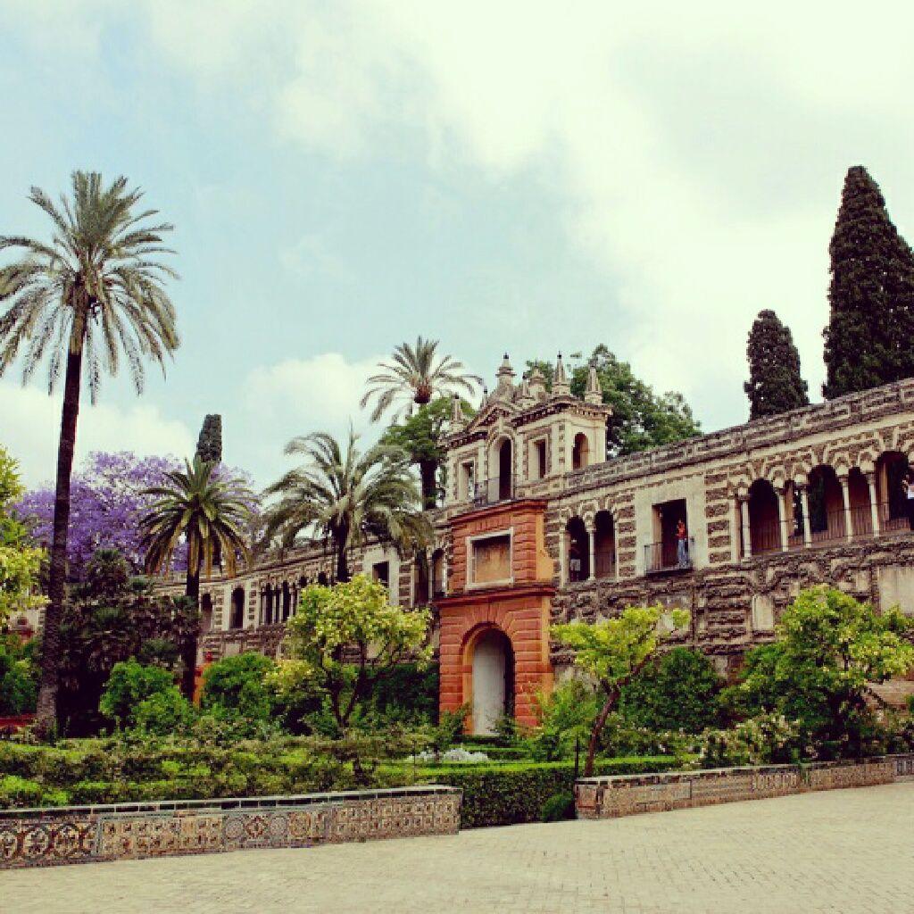 El Alcázar de Sevilla es el palacio real en activo más antiguo de Europa.