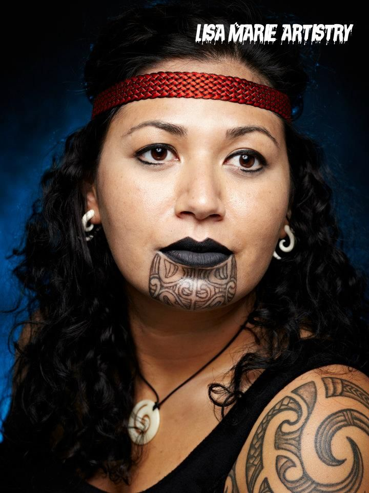 Maori Face Tattoo Female: Pin On Maori