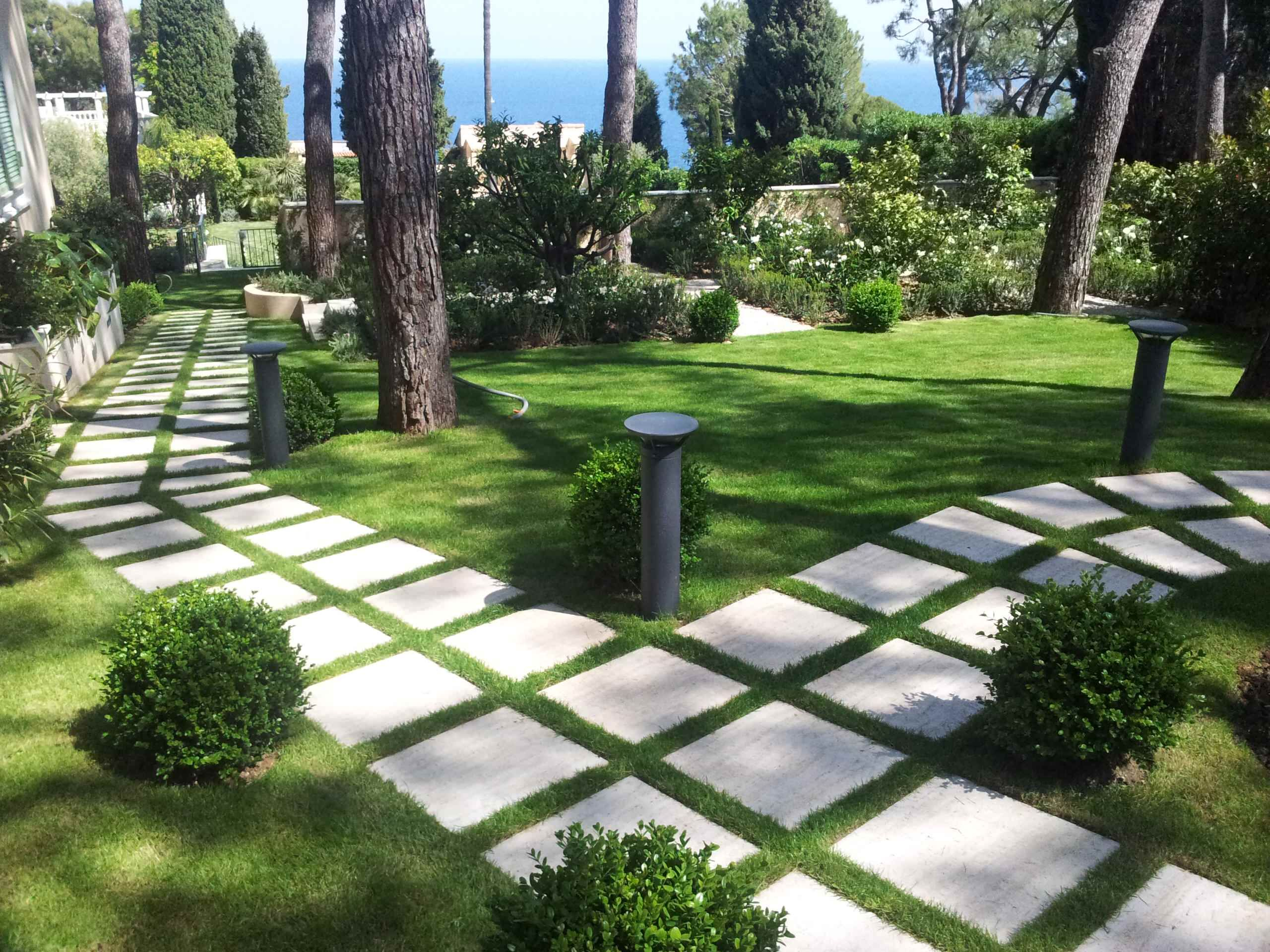 Dramatic Landscape Design Using Paver Walkway Ideas Awesome