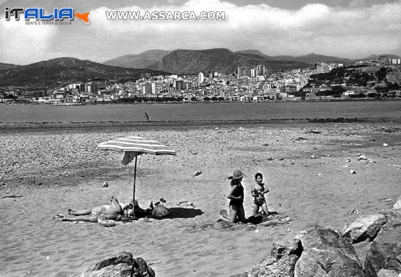 """Termini Imerese - La spiaggia che chiamavamo """"A punta 'o portu"""",  che ormai non esiste più."""