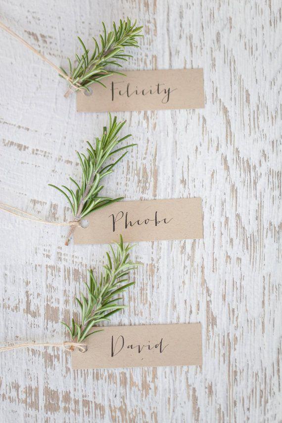 Wedding place card kraft escort card calligraphy place for Selbstgemachte hochzeitsdeko