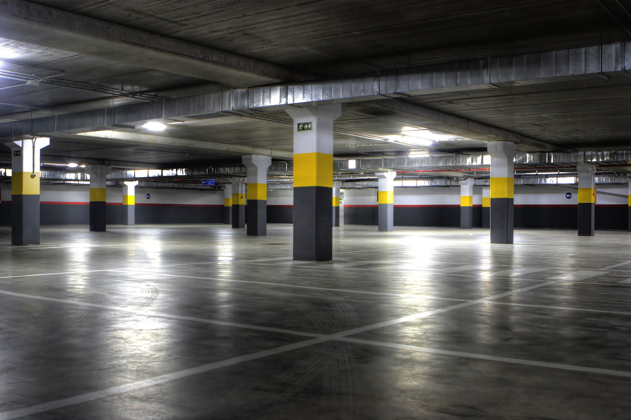 Underground Garage Cleaning Is Essential Mostly For Shopping Malls Airports Office Buildings Amongst Others C In 2020 Underground Garage Parking Garage Clean Garage