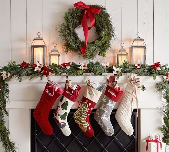 Essential Christmas Decorations.8 Essential Christmas Must Haves In Your Young Adult Home