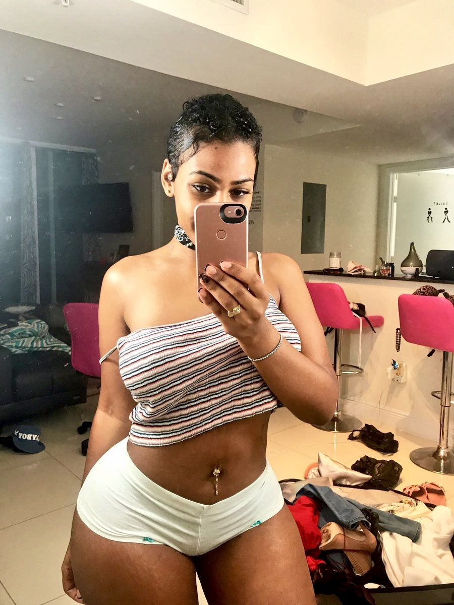 aaf34a93b7cd Harlem Crush: El Reina Katt Leya 🍑 | sexy | Beautiful black girl ...