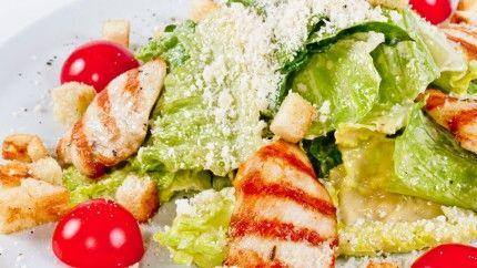 سلطة سيزر مع الطماطم الكرزية Recipe Food Salads Salad