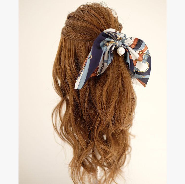 シュシュで簡単ハーフアップ ハーフアップ 簡単 髪の毛 アレンジ