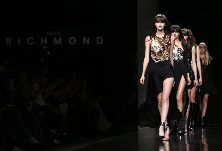 Fashion-Week Mailand: John Richmond's. Mehr zur Mailänder Modewoche: http://www.nachrichten.at/nachrichten/society/Generationswechsel-auf-Italienisch;art411,1314605 (Bild: Reuters)