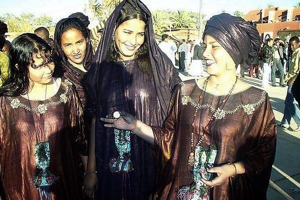 #Tuareg #Touareg #life #vie #pepole #population #femme #woman #africa #afrique #sahara #desert #algeria #mali #niger #libya #keltamacheq #maroc #maroco #algerie #Culture #eyes NB: si vous êtes l'auteur de cette photo contactez moi svp afin que je peux attribuer votre copyright)