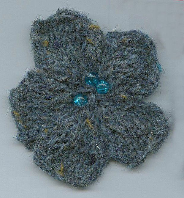 Flower Photo 2 Click For Larger Yarn Pinterest Knit Flowers