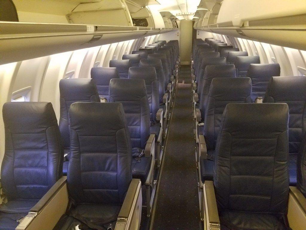 American airlines bombardier crj200 main cabin seats row