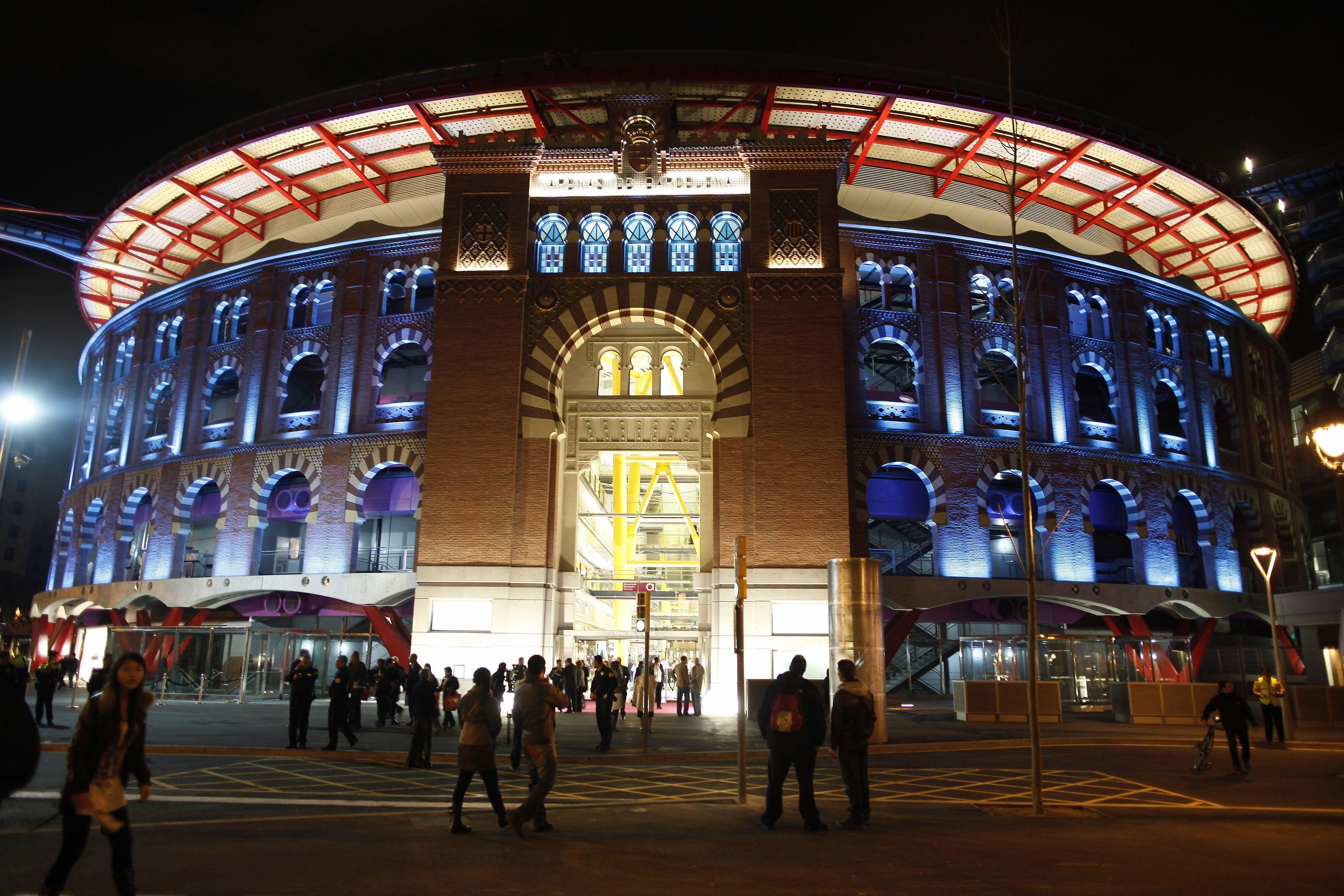 Las Arenas An Avant Garde Space That Combines Business Leisure And Cultural Components Arenas Brings Past Las Arenas Barcelona Barcelona Espana Barcelona