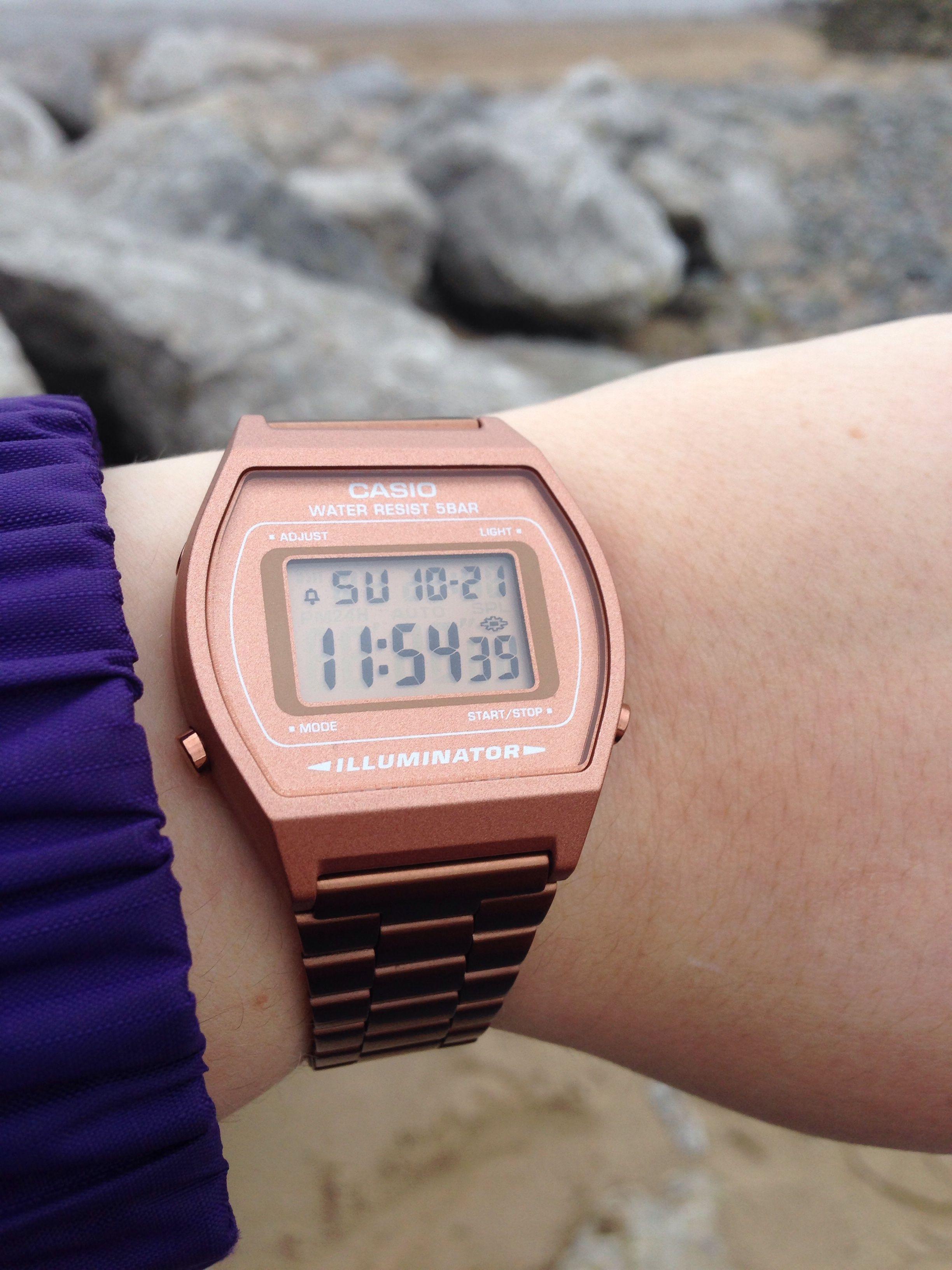 Montre Casio Couleur Or dedans ladies casio classic alarm chronograph watch b640wc-5aef