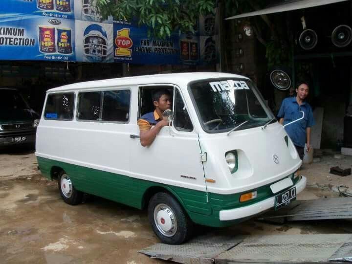 Mazda Bongo F1000 📷:pakde bei budiono